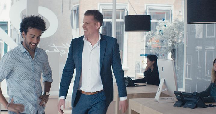 Marc van Financiële Meesters Roosendaal ontvangt klant op kantoor voor hypotheekadvies